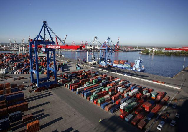 特朗普威胁对大量欧盟商品征关税