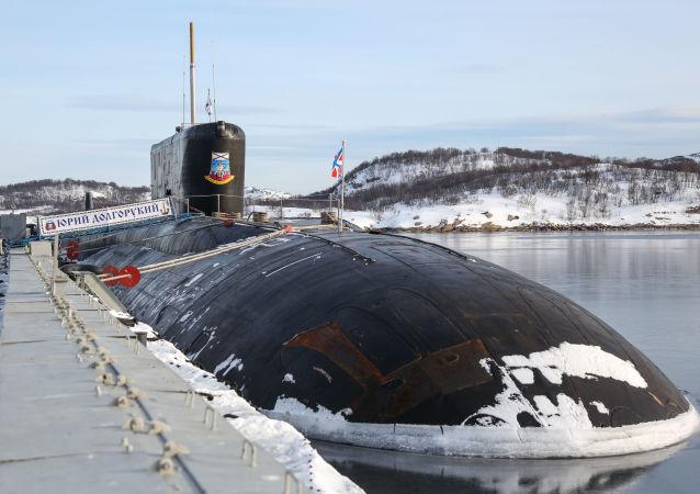 俄罗斯潜艇在巴伦支海发射反潜导弹