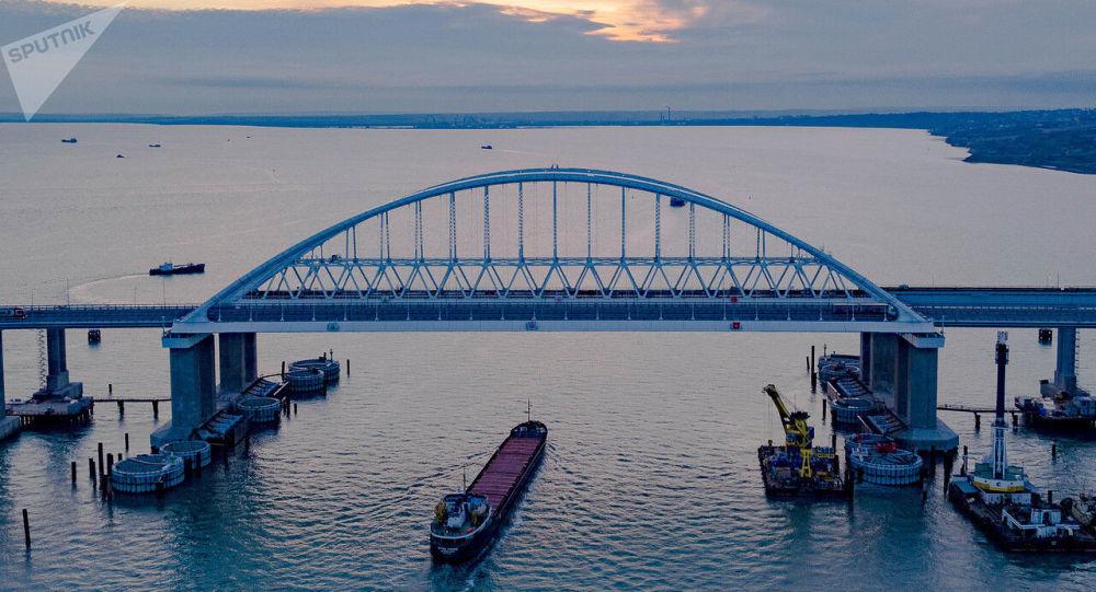 俄杜马议员称克里米亚大桥坚不可摧