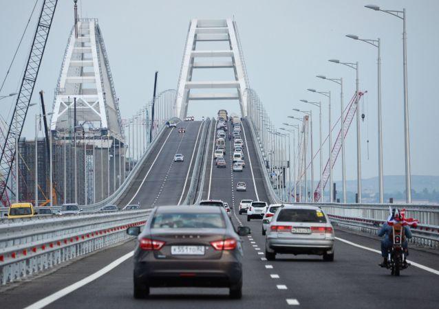 克里米亚大桥交通流量破新纪录