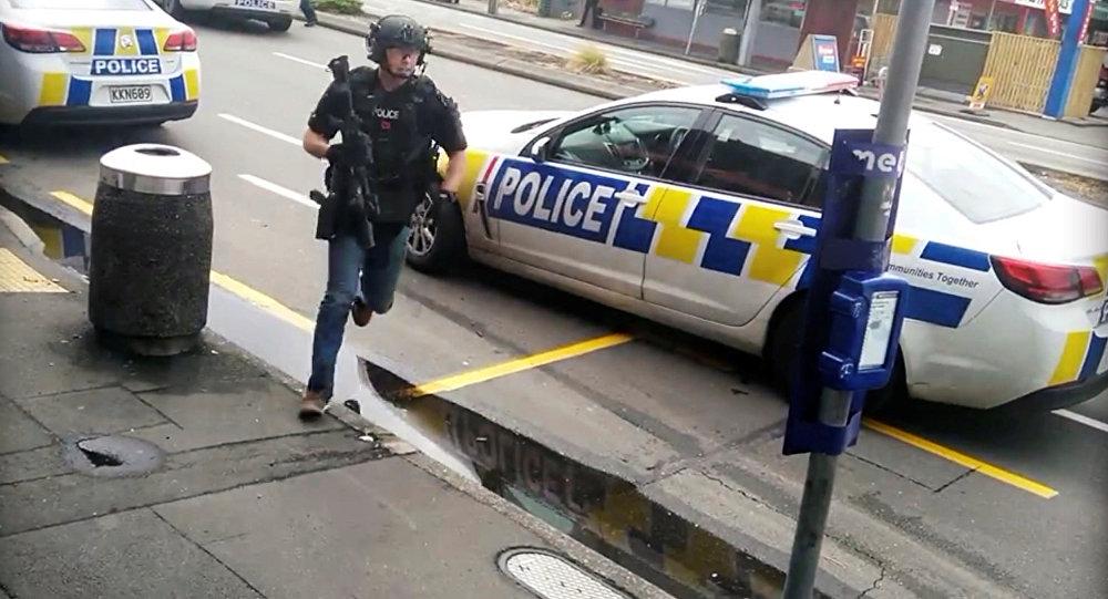 录像揭示新西兰一恐怖分子嫌犯被拘场景