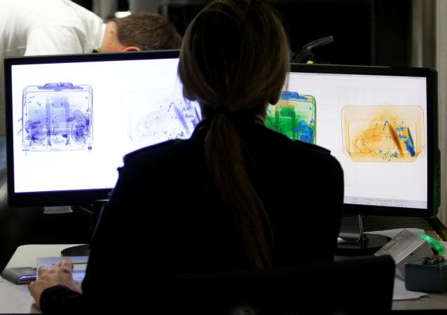 俄边境安装移动扫描探测仪