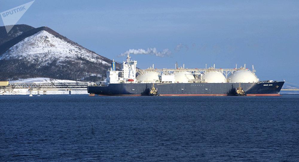 Танкер-газовоз Гранд Анива, для перевозки сахалинского сжиженного природного газа (СПГ)