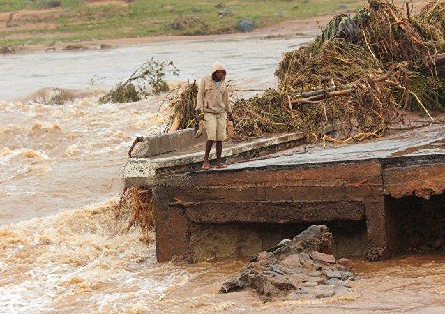 强热带气旋在津巴布韦造成的死亡人数上升至98人