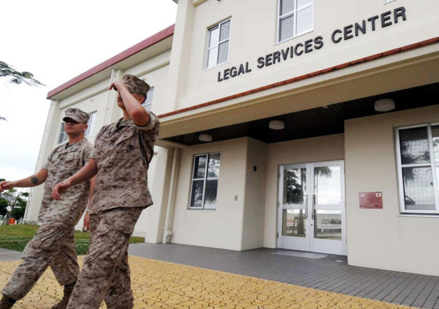 Американские военнослужащие на американской базе Кэмп Фостер на Окинаве