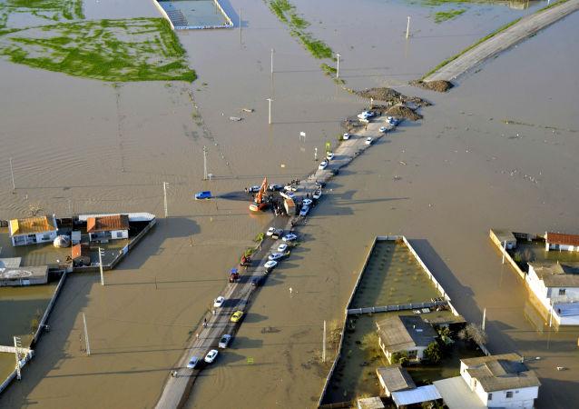 伊朗南部水灾造成的死亡人数增至19人