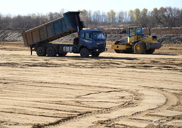 中国公司希望向俄克里米亚出口道路施工设备
