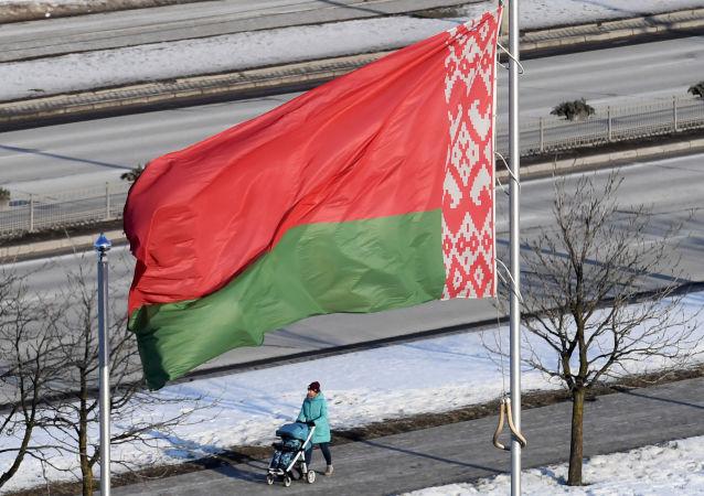 白俄罗斯与中国签署提供35亿元人民币贷款的协议