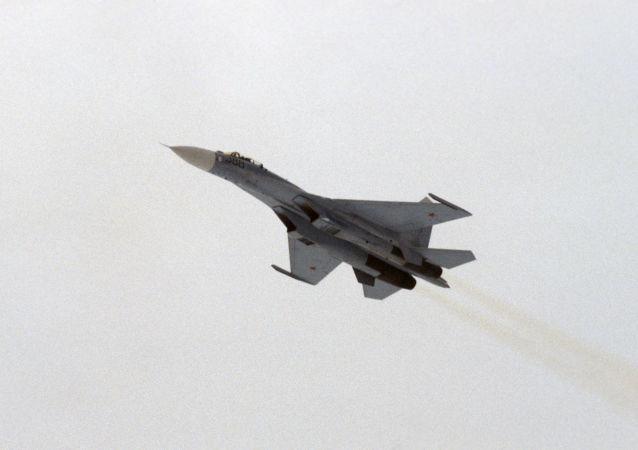 俄军事运输航空兵在克里米亚演练空降新战术