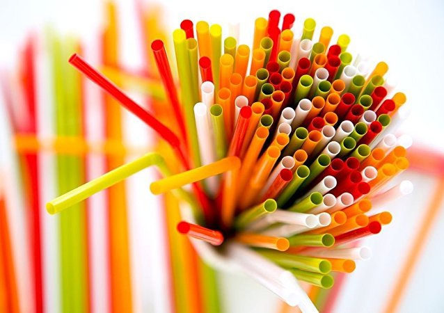 欧洲议会通过新法禁止出售一次性塑料餐具