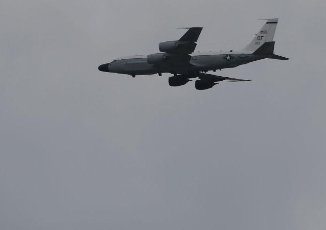 媒体:美军一架侦察机19日上午从台湾东部空域经过