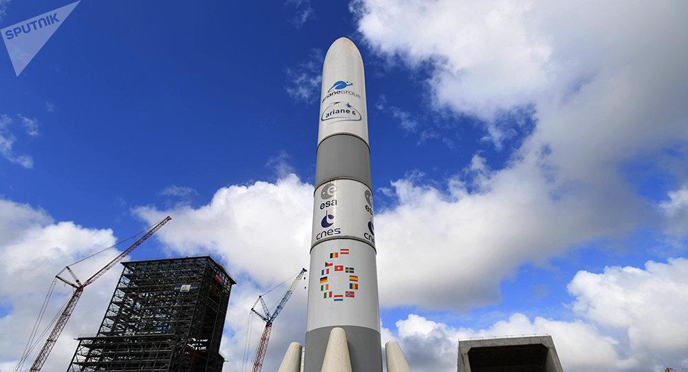 Модель ракеты Ariane 6. Гвианский космический центр-космодром Куру.