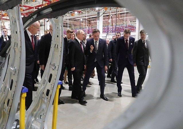 德戴姆勒公司在莫斯科州开设生产梅赛德斯-奔驰轿车工厂