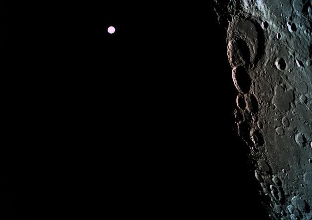 """模拟赴月球飞行的""""天狼星""""实验参与者将""""返回""""地球"""