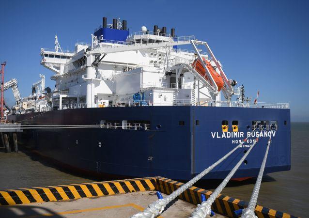 Arc7液化天然气(LNG)运输船