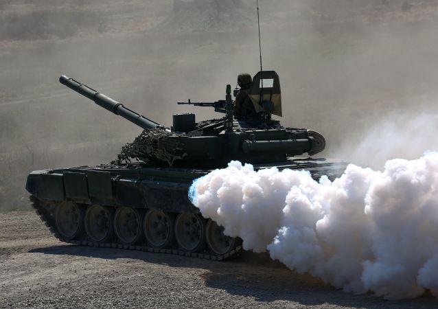 俄罗斯T-72B坦克