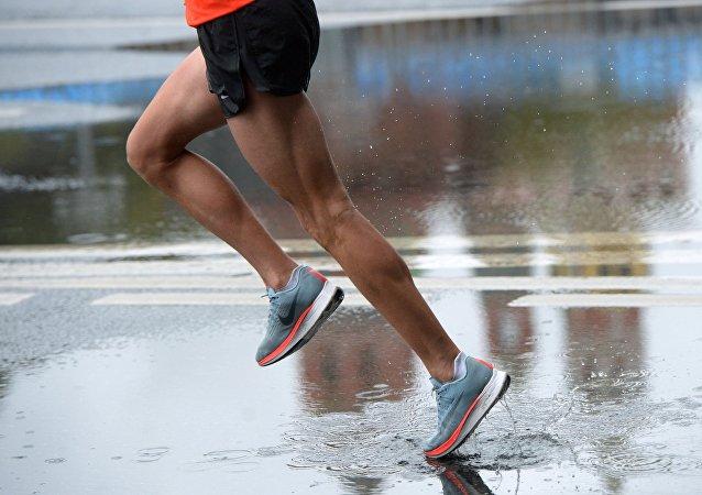俄阿迪格共和国一名运动员三天不睡觉跑480公里