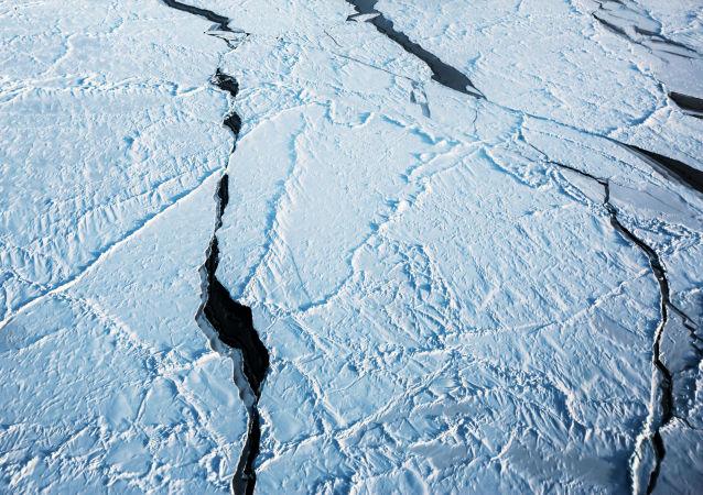 """俄科学家研发出""""超级钢"""" 可用于北极作业"""