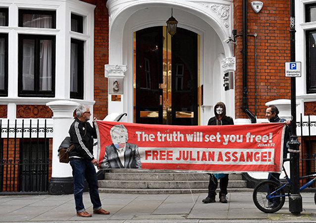 伦敦警察厅拒绝透露阿桑奇被羁押的监狱