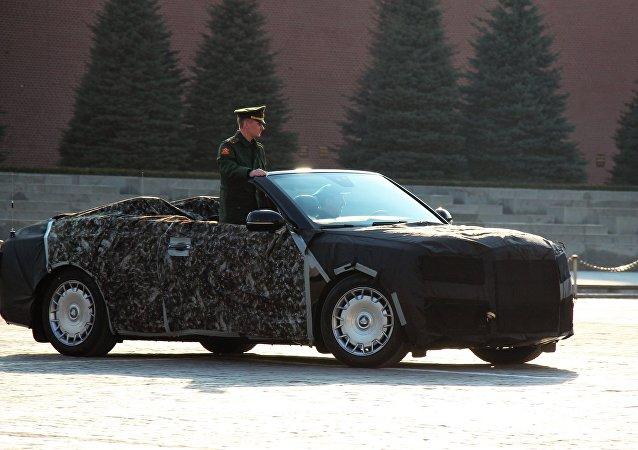 """普京的""""车队""""项目敞篷车在网上曝光"""