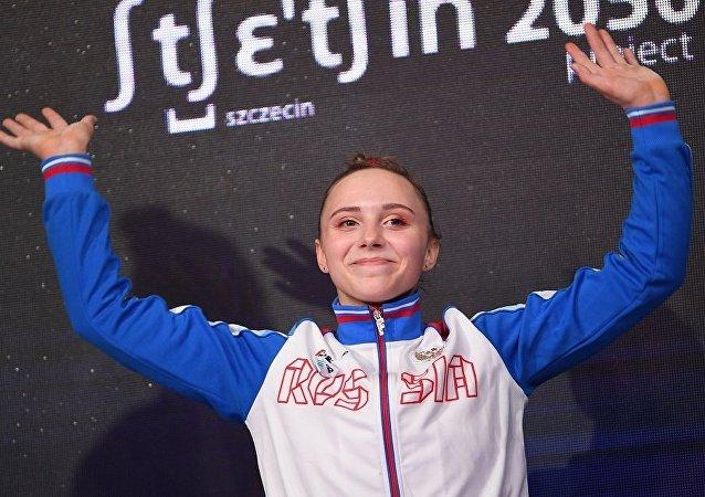 安娜斯塔西娅·伊利扬科娃(高低杠)