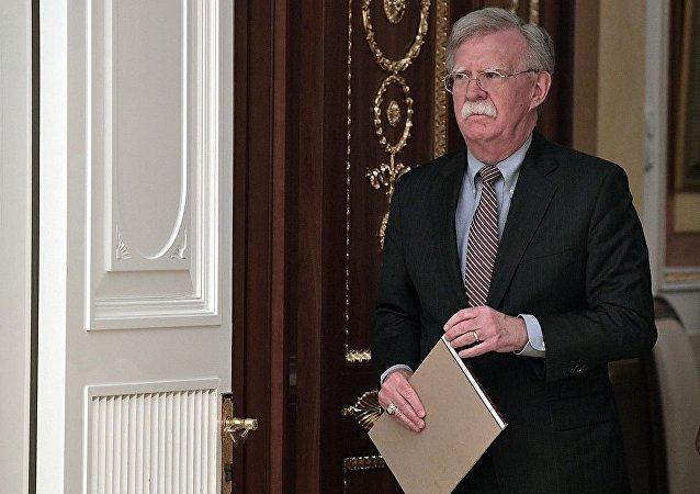 英首相和美总统国家安全事务助理将就伊朗局势等安全问题进行讨论