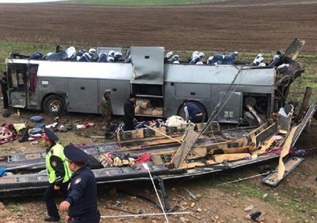 哈萨克斯坦内务部:该国公路交通事故造成11人死约30人伤