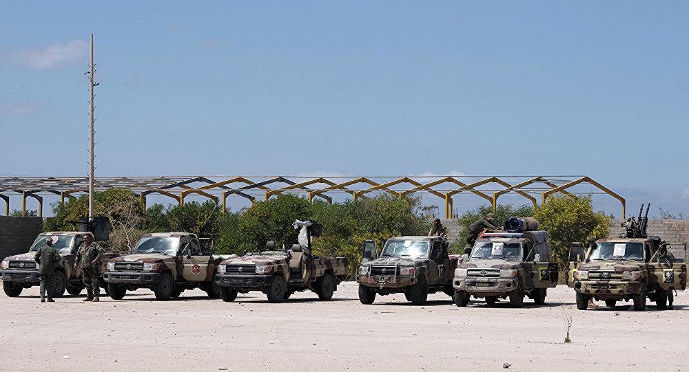 Военнослужащие Ливийской национальной армии под командованием Халифы Хафтара отправляются из Бенгази, чтобы усилить войска, наступающие на Триполи. 7 апреля 2019