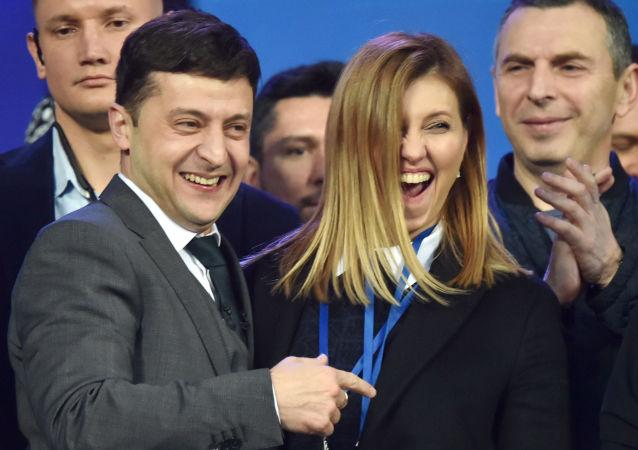 弗拉基米尔∙泽连斯基和他的妻子