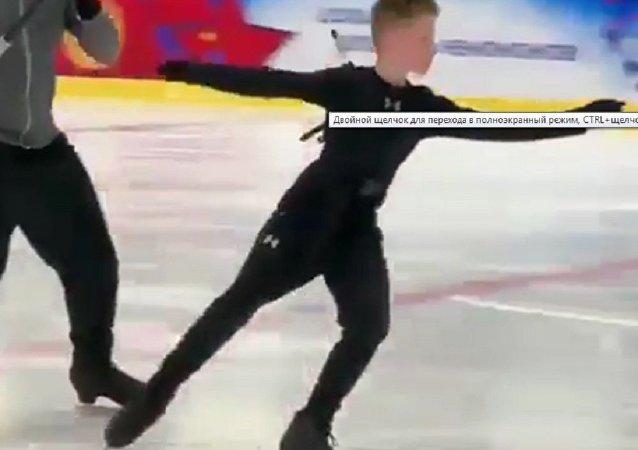 历史纪录:12岁俄花滑小将完成5周跳
