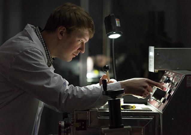 """""""非晶合金"""":学者们研究出廉价节能材料"""