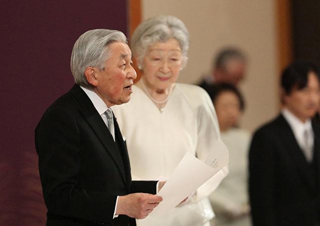 日本明仁天皇向全民发表退位讲话