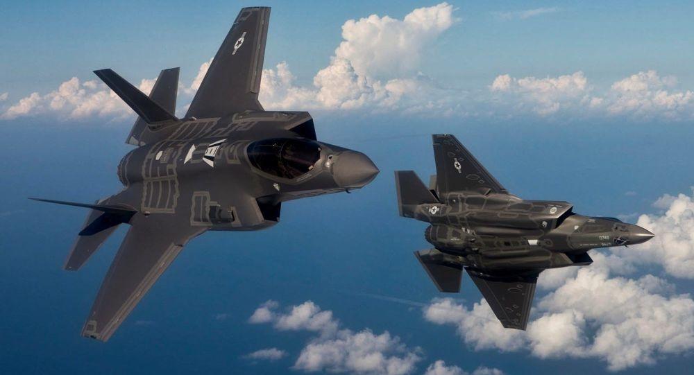 """美国的第五代战机F-35""""闪电"""""""