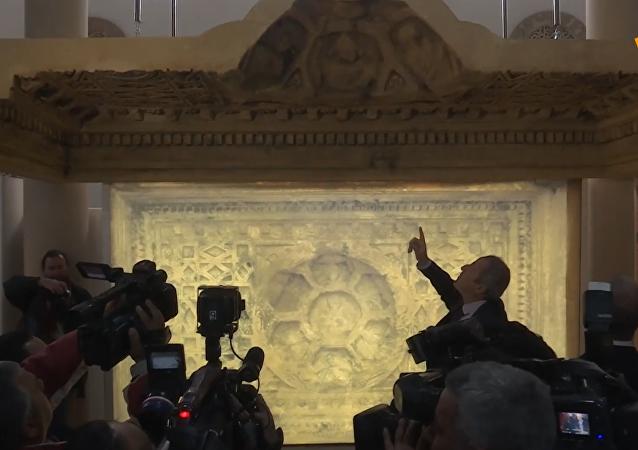 大马士革博物馆接收巴尔神庙天花板复制品