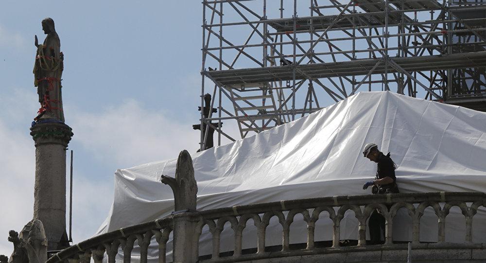 巴黎圣母院修复师:酷热或引起教堂拱门倒塌