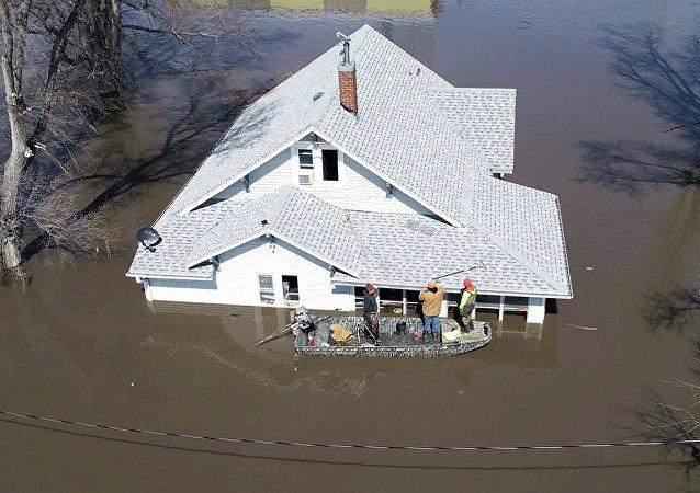 爱荷华州的洪水后果(资料图片)