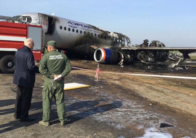 俄侦查委员会分析谢列梅捷沃飞机失事几大可能