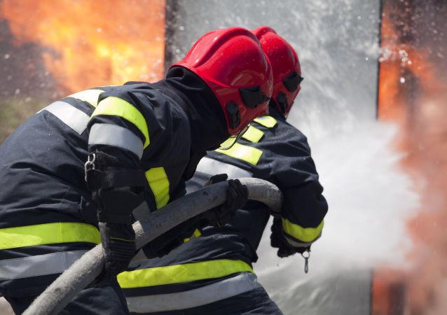 莫斯科市中心荒废工业建筑着火 2架直升机已经前往参加灭火
