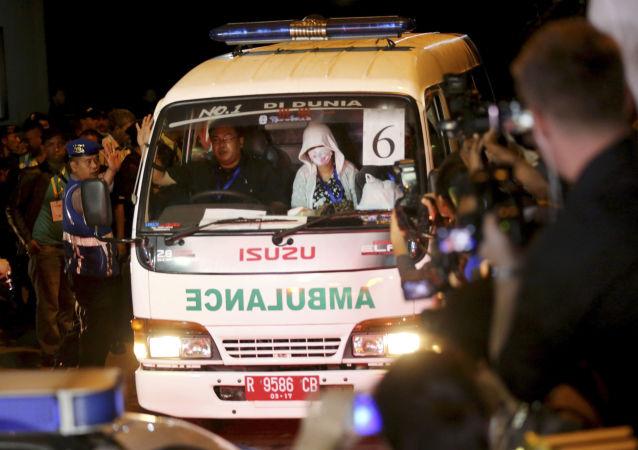 媒体:印尼一辆载有学生的大巴坠入峡谷 造成至少22人遇难