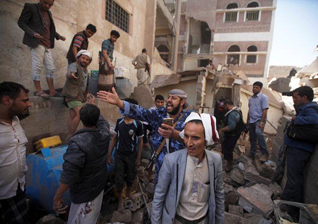 也门卫生部:国际联盟空袭致52名平民受伤包括2名俄罗斯人