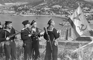 苏联空降兵进攻旅顺港