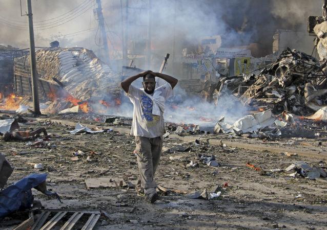 媒体:索马里首都军事基地附近爆炸造成八死十四伤