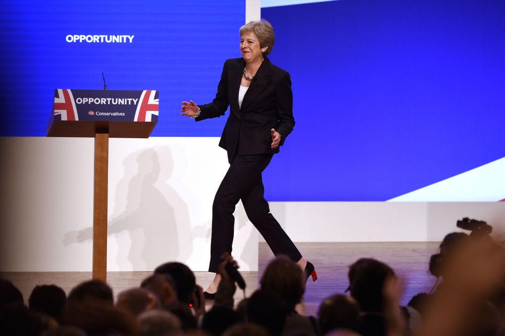 英国首相特蕾莎·梅2018在伯明翰举行的保守党新闻发布会上。