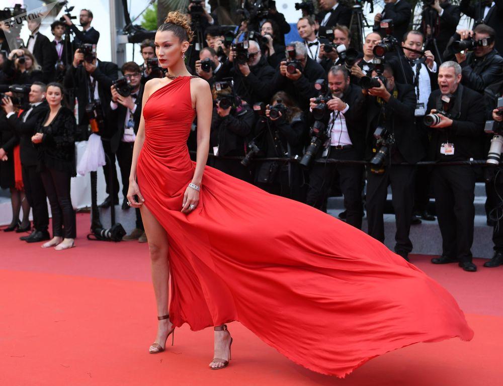 第72届戛纳国家电影节红毯上的美国模特及演员贝拉·哈蒂德