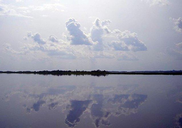 马伊恩东贝湖
