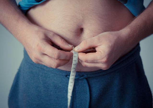 英国前主播:胖人不用治