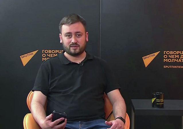 """俄罗斯""""卫星通讯社立陶宛语网站""""编辑卡谢姆"""