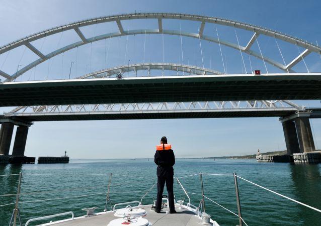 俄杜马介绍乌克兰舰船通行刻赤海峡条件