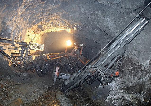 山东栖霞金矿爆炸事故有11人获救10人遇难 1人仍在搜寻