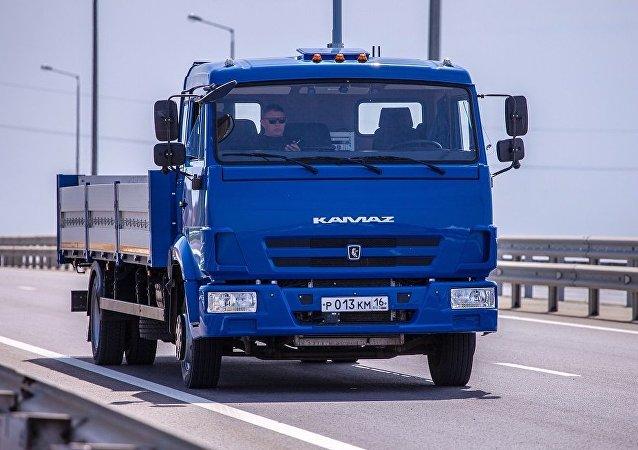 俄技术集团:卡玛兹无人卡车很快或将穿梭在俄罗斯的大街小巷